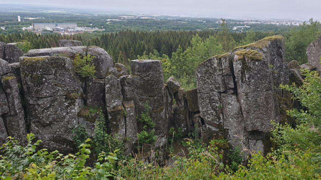 Ryds grottor vid Trollstigen på Billingen i Skövde