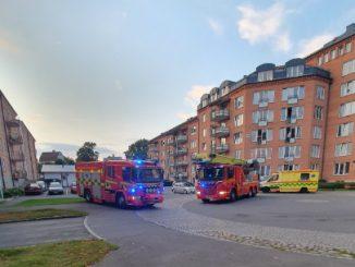 Brandbilar på Trängens bostadsområde i Skövde