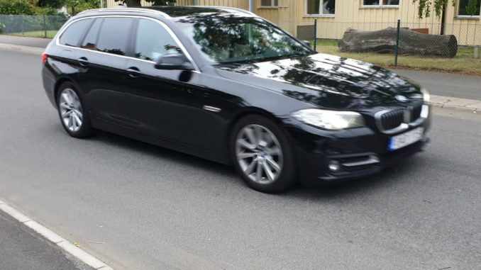 Bil på Vallevägen, Skövde