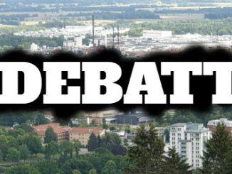 Skövde stad med texten 'Debatt' framför sig.