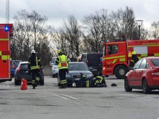 Brand personbil Elins Esplanad i Skövde